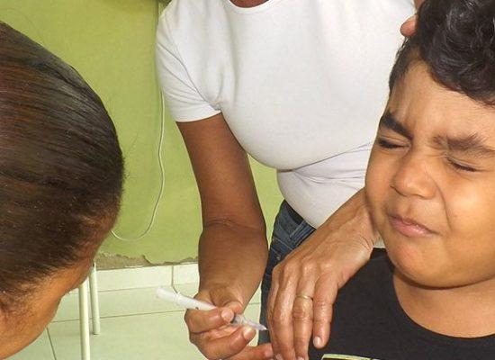 UTILIDADE PÚBLICA: Secretaria de Saúde intensifica vacinação contra polio e sarampo nos bairros e distritos de Ilhéus