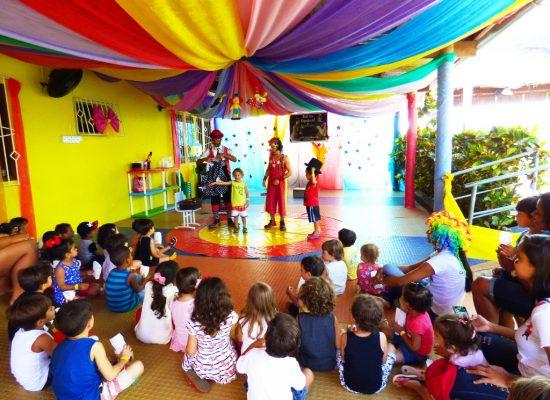 Alegria do circo contagia festa do Dia das Crianças da Casa Amarela