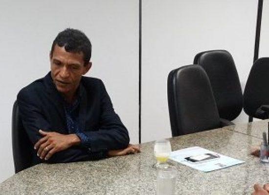 Vereador Abraão Oliveira solicita pavimentação de ruas no bairro Teotônio Vilela