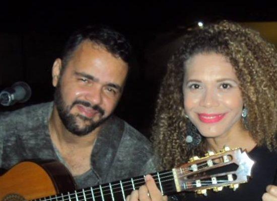 Arte musical de Silvano e Carla com arte culinária da AABB