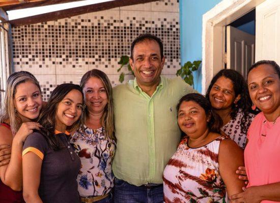 Prefeito visita Olivença e estabelece diálogo com a comunidade