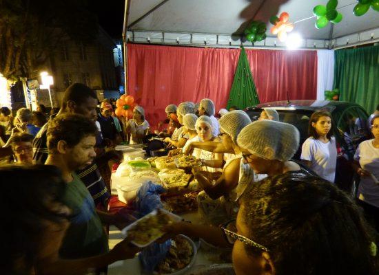 Ceia Natalina Solidária serviu mais de 100 refeições em Ilhéus