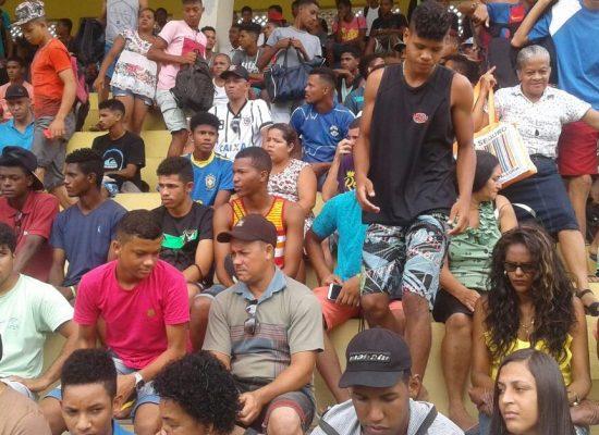 COLO COLO/AREZZA/ADILIS: Atletas profissionais se apresentam nesta segunda-feira, dia 29. Jovens que foram aprovados na 2ª etapa da peneira se apresentarão dia 08 de fevereiro