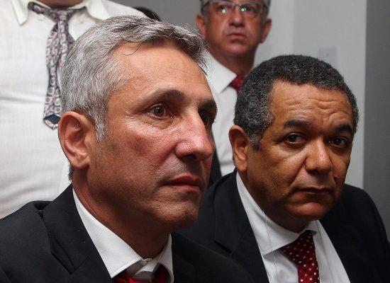 ALEXANDRE CAMPELLO É O NOVO PRESIDENTE DO VASCO. Eurico Miranda vai continuar mandando no melhor time do mundo!