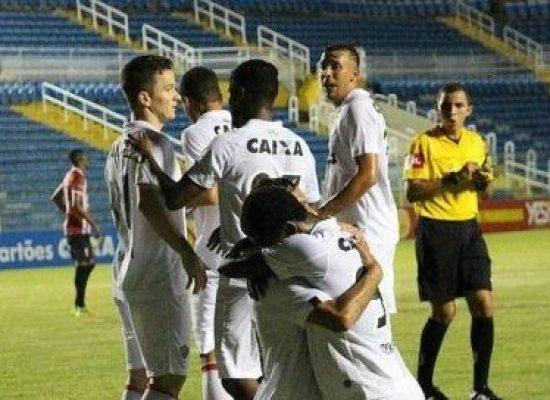 Depois do apagão, Vitória vence o Ferroviário e garante vaga na Copa do Nordeste