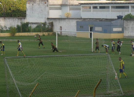 Colo Colo/Adilis treinando forte para enfrentar o Conquista próximo domingo