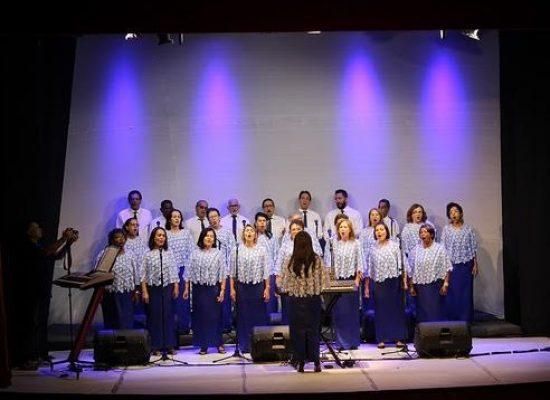 Coral dos Servidores da Ceplac comemora 20 anos com show no Teatro Municipal de Ilhéus