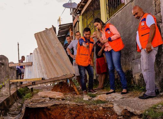 Defesa Civil da Bahia inspeciona estragos das chuvas em Ilhéus