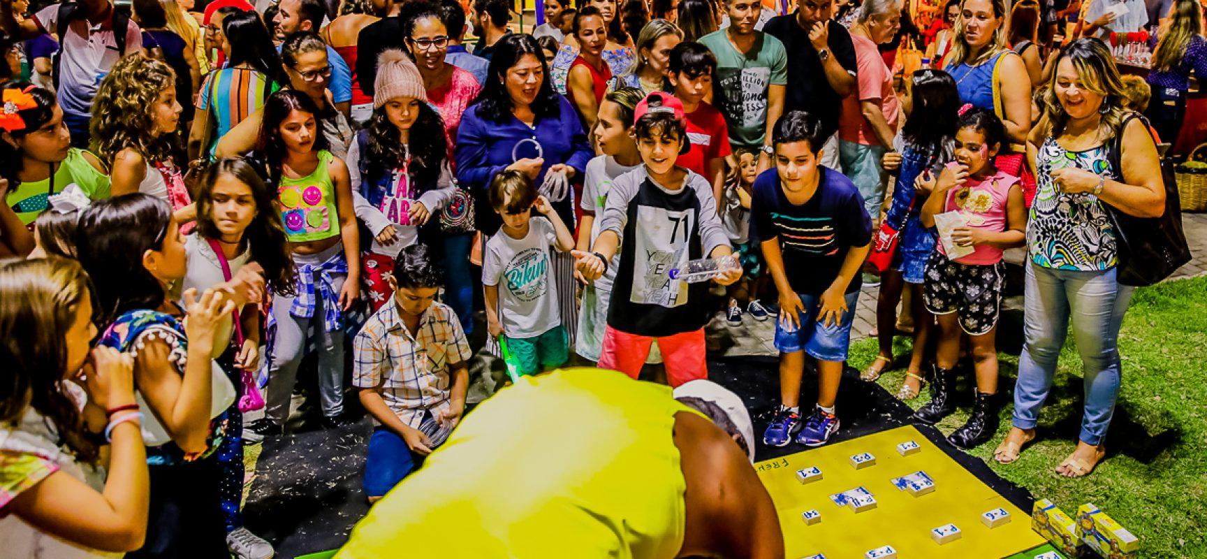 Projetos Adotarte e Apadrinhamento Afetivo vão ao 'Ciranda na Praça' em alusão ao Dia Nacional da Adoção