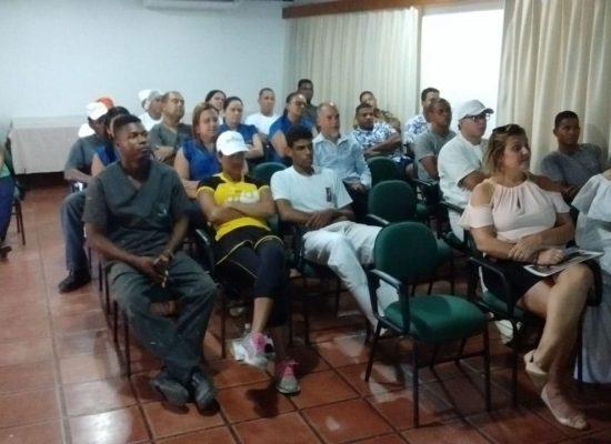 Instituto Nossa Ilhéus realiza palestra sobre cidadania para colaboradores do Hotel Jardim Atlântico