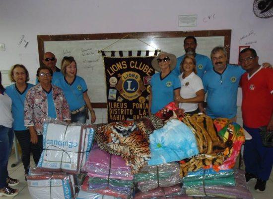 Lions Clube Pontal realiza doação de cobertores