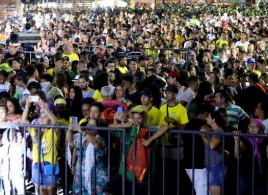 Viva Ilhéus Fest reúne multidão na avenida