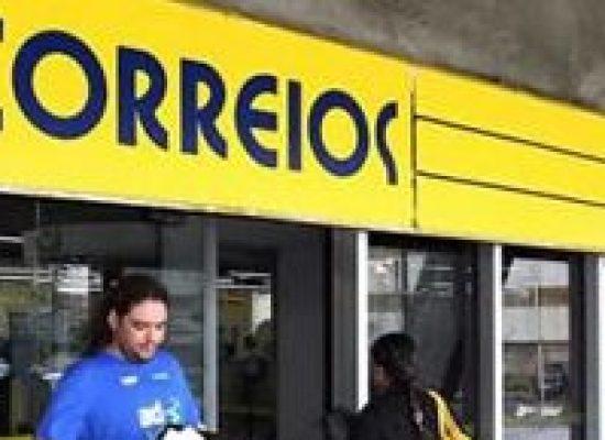 """Mourão descarta """"por enquanto"""" privatização dos Correios"""