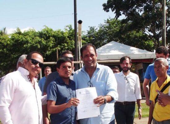 Fabrício Nascimento participa de assinatura de ordem de serviço para obras nas quadras do Malhado e Barra