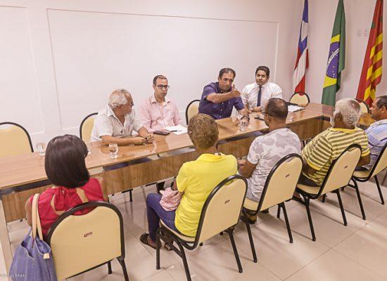 Prefeitura e comerciantes de coco da Soares Lopes planejam solução conjunta para permanência no local