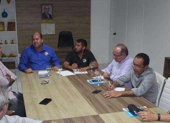 Solon e Cacá apresentaram propostas em reunião com empresários, na ACI