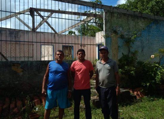 Fabrício Nascimento solicita construção de escola em Tibina.