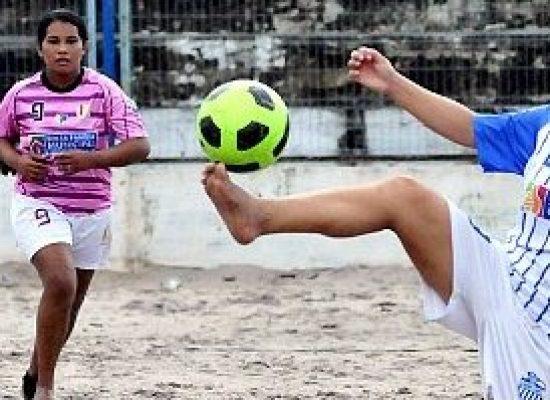 ACONTECE: 1º Copão Feminino de Futebol de Areia do Bairro Hernani Sá, em Ilhéus