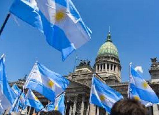 Polícia argentina prende suspeito de ataque a deputado