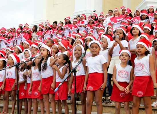 Cantata de Natal terá apresentação de corais nas escadarias do Palácio Paranaguá