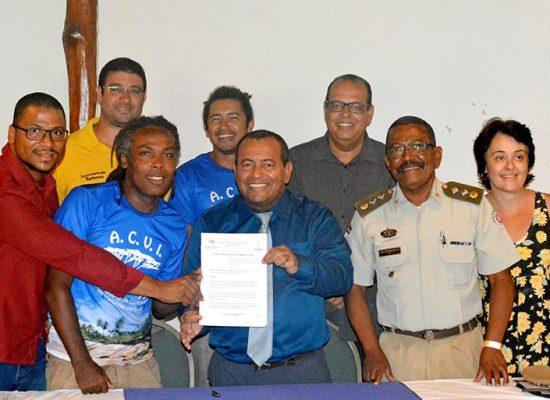 Prefeito de Itacaré assina decreto que regulamenta os condutores de turismo