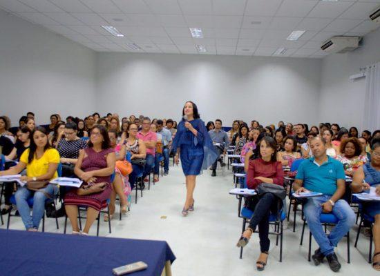 Palestra em Itabuna destaca os desafios da comunicação com o cliente