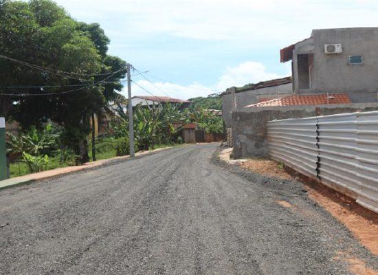 Prefeitura atende moradores e recupera 5ª Travessa da Rua da Linha, na Barra