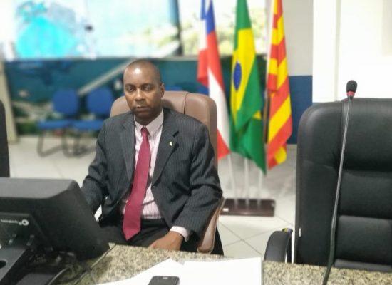 Vereador Luiz Carlos Escuta (PP), apresenta indicações que beneficiam Bairros da cidade