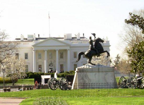 EUA: Correios alertam para risco de atraso em contagem de votos