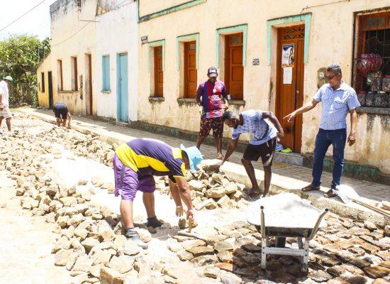 Prefeitura realiza pavimentação de diversas ruas em Taboquinhas