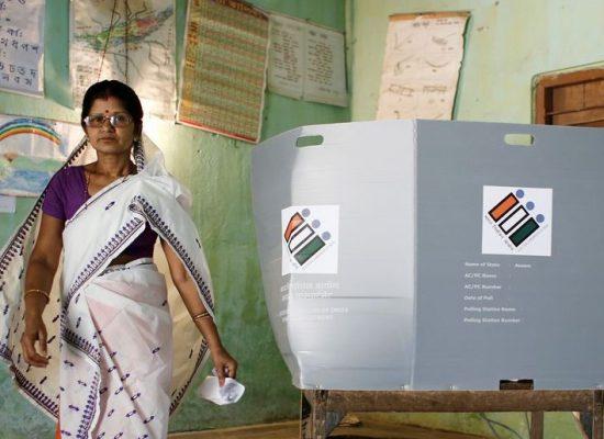 Na Índia, 900 milhões vão às urnas para escolher parlamentares