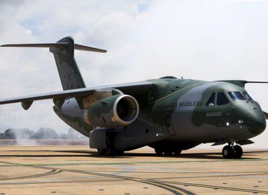Primeiro avião cargueiro KC-390 deve ser entregue no primeiro semestre