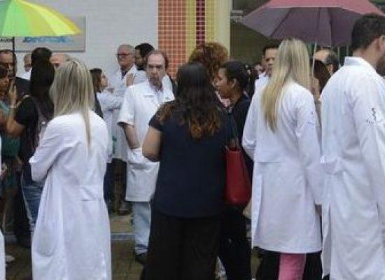 Mais de 400 médicos baianos assinam carta aberta contra negacionismo