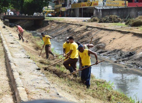 Operação Cidade Limpa continua com limpeza do canal do Malhado