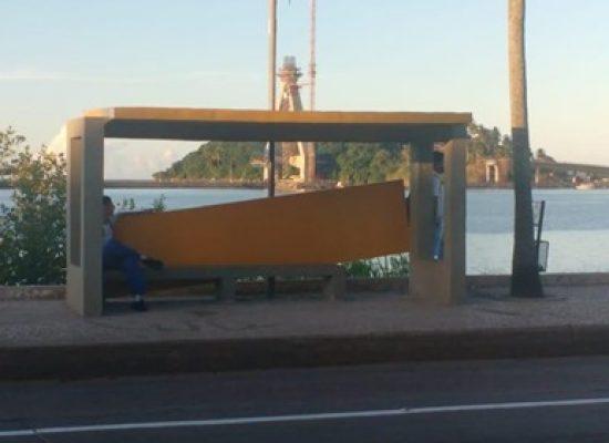 Sutram diz que já identificou vândalos que danificaram  abrigos construídos por empresa de ônibus