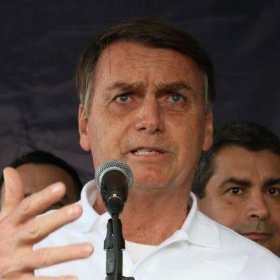 Bolsonaro viaja ao Guarujá para passar o feriado do Ano Novo