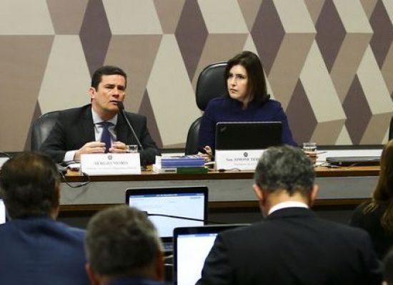Moro diz que modelo processual brasileiro exige dos juízes parcimônia