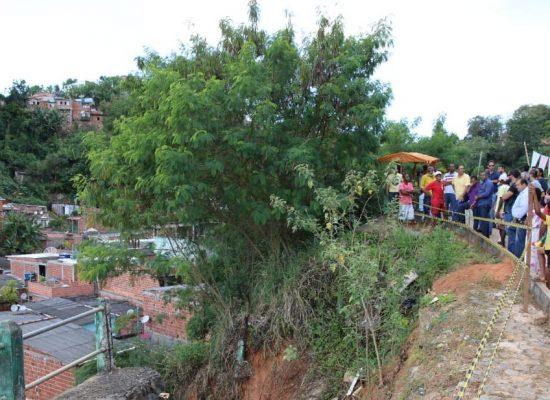 Após início das obras prefeito de Ilhéus visita locais atingidos pelas fortes chuvas