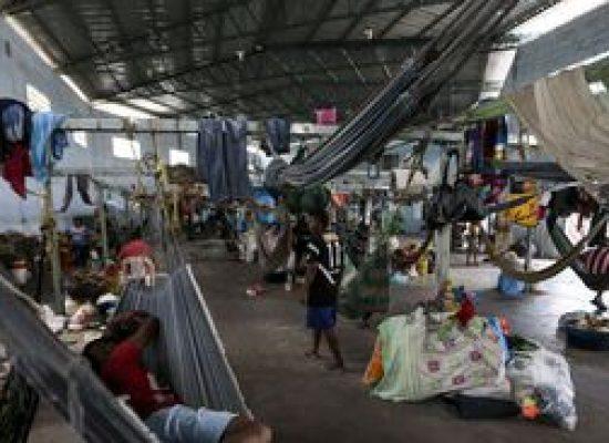 Venezuelanos enfrentam da mendicância à prostituição na saga para sair do país
