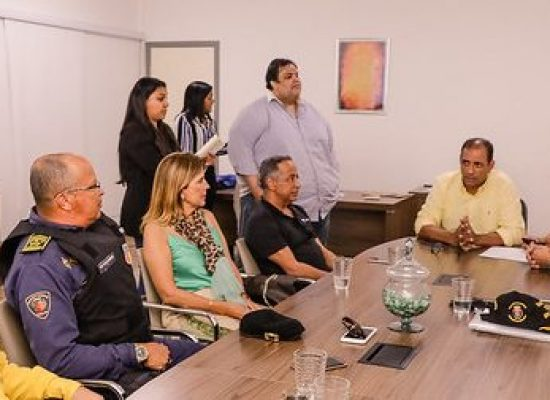 Prefeitura celebra protocolo de intenções para reordenamento da Praia do Cristo
