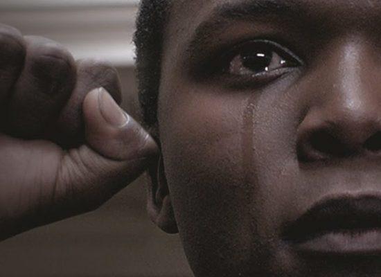 'Fogo Contra Fogo', comovente filme sobre o Apartheid, estreia em novembro nos cinemas