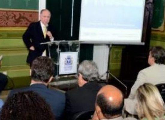 JOÃO LEÃO DETALHA PROJETO DA PONTE SALVADOR-ITAPARICA PARA VEREADORES