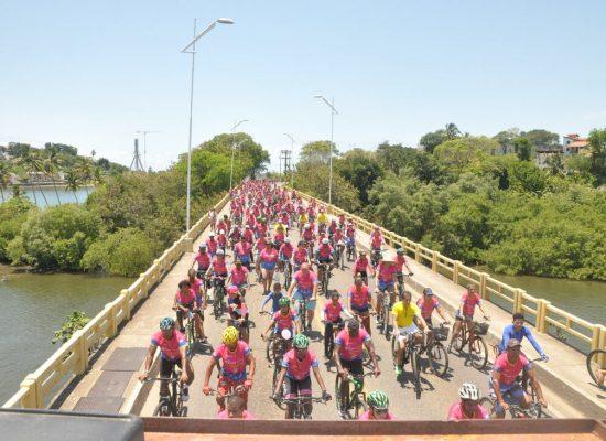 8º passeio ciclístico do Rotary coloriu Ilhéus de rosa