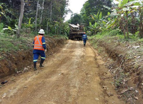 Coelba e Prefeitura de Itacaré realizam eletrificação na região de Serra de Água