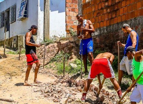 ILHÉUS: Prefeitura leva mutirão de serviços urbanos ao Alto do Amparo