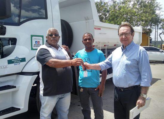 Itabuna recebe caminhão basculante