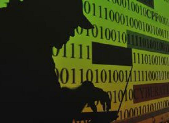 Juiz mantém prisão de acusados de hackear autoridades