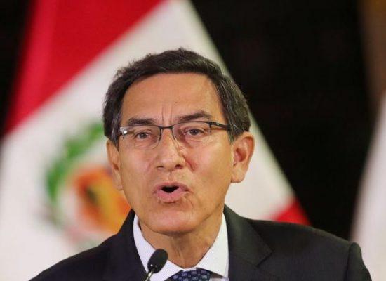 Presidente do Peru anuncia dissolução do Congresso