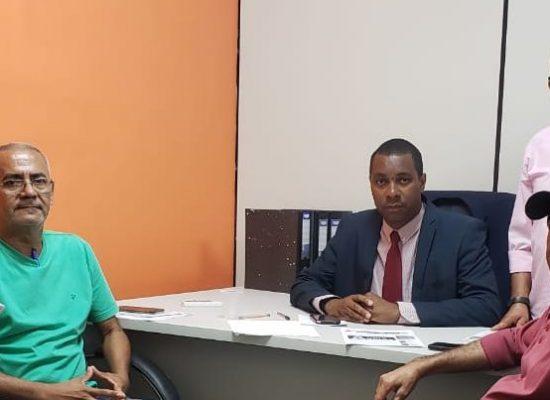 Vereador Luiz Carlos Escuta-PP, se reúne com representantes da APPI, Sinsepi e Sindguardas