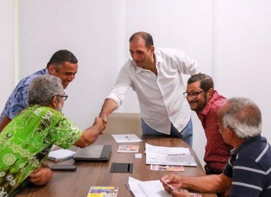 Associação do Hernani Sá e pároco visitam prefeito Mário Alexandre